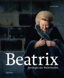 Beatrix, koningin der Nederlanden in linnen casette met stofomslag en leeslint