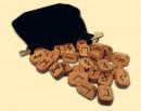 Houten runensymbolen (ca. 25 stuks)